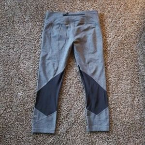 6 lululemon cropped leggings